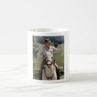 Ronald Reagan a caballo Taza De Café