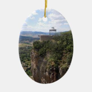 Ronda, España - ornamento del árbol de navidad Adorno Navideño Ovalado De Cerámica