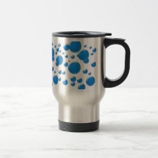 Rondas azules en la taza