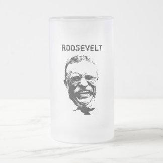 Roosevelt -- Blanco y negro Taza De Cristal