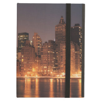 Roosevelt Island View of the New York City Skyline iPad Cover