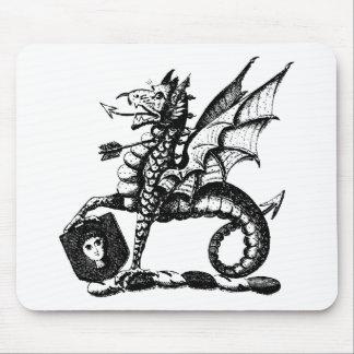 Ropa 10 del dragón alfombrilla de ratón
