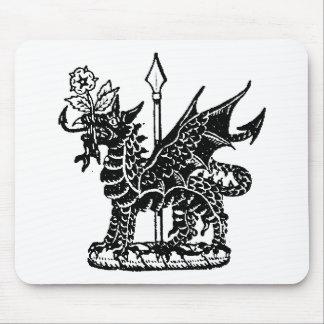 Ropa 8 del dragón alfombrillas de raton
