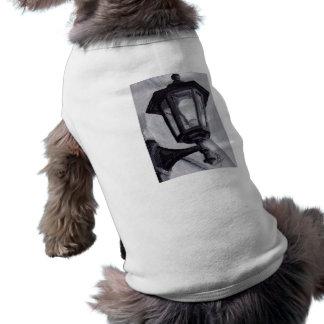 Ropa blanco y negro del mascota del aceo playera sin mangas para perro