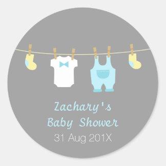 Ropa elegante y linda del bebé, fiesta de etiqueta redonda