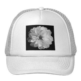 ropa florecida gorras