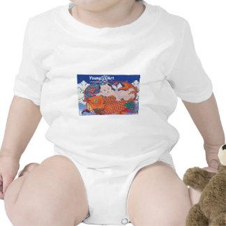 Ropa grande del bebé de los pescados camisetas
