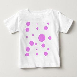 Ropa infantil con diseño rosado del lunar remeras