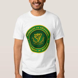 Ropa irlandesa del medallón playeras