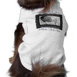 Ropa negra del mascota del marco de la foto camiseta de perro