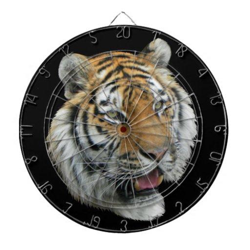 Ropa y regalos principales del tigre