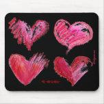 Rosa 4 de 4 corazones nunca en Mousepad negro Alfombrillas De Raton