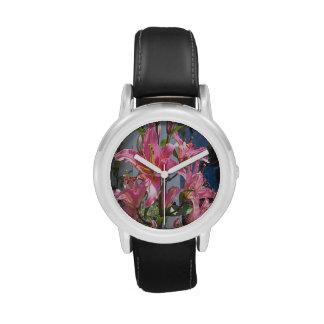 Rosa al aire libre de la planta del lirio relojes de mano