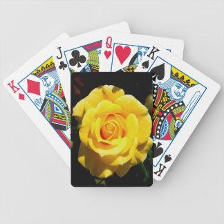 rosa amarillo abierto al amor barajas de cartas