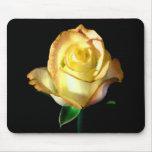 Rosa amarillo alfombrilla de raton