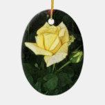 Rosa amarillo elegante 1 adorno de navidad