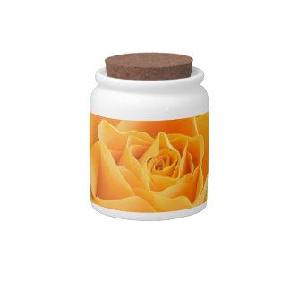 Rosa amarillo plato para caramelo