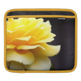 Rosa amarillo mangas de iPad