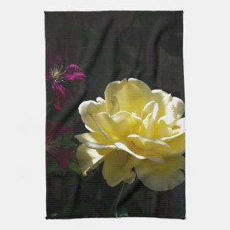 Rosa amarillo toalla