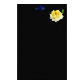 Rosa amarillo papeleria personalizada