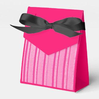 Rosa apenado de la raya caja para regalos de fiestas