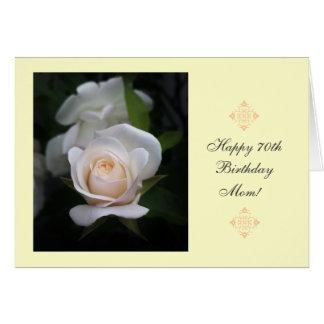 Rosa blanco del 70.o cumpleaños de la mamá tarjeta de felicitación