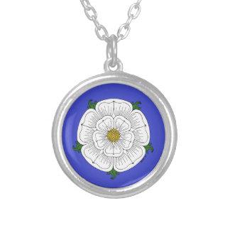 Rosa blanco del collar de York