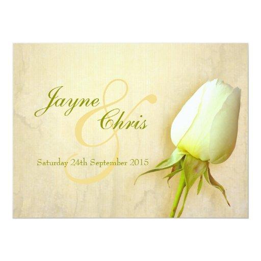 Rosa blanco que casa la invitación grande del