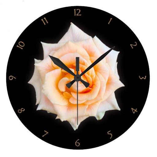 Rosa blanco reloj de pared