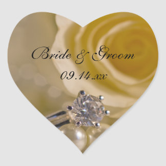 Rosa blanco y perlas que casan los sellos del pegatina en forma de corazón