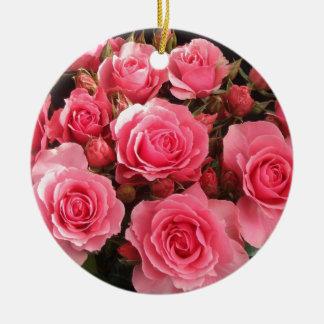 rosa color de rosa del amor del rosa de la flor de adorno redondo de cerámica