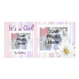 Rosa con la invitación de encargo del nacimiento tarjetas personales
