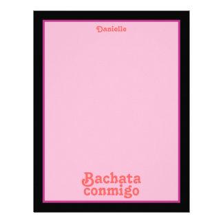 Rosa conocido de encargo del baile latino de Bacha Membrete