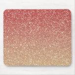 Rosa coralino y brillo del oro falso alfombrillas de ratones