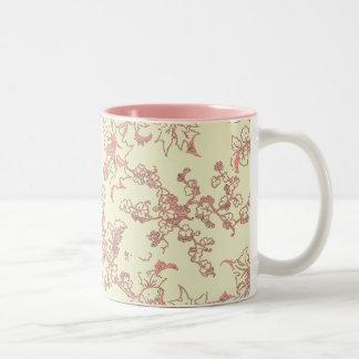 Rosa de encaje en la taza poner crema