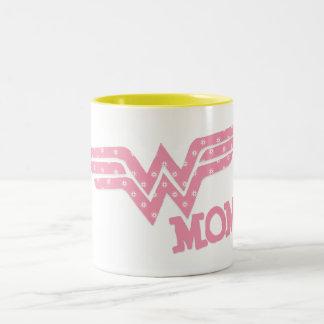 Rosa de la mamá de la maravilla taza de café de dos colores