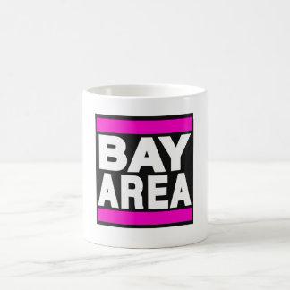 Rosa del área de la bahía taza básica blanca