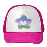 Rosa del gorra del camionero del corazón