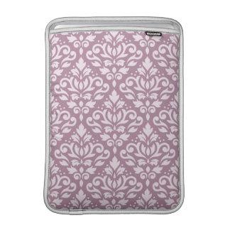 Rosa del modelo del damasco de la voluta en color funda macbook air