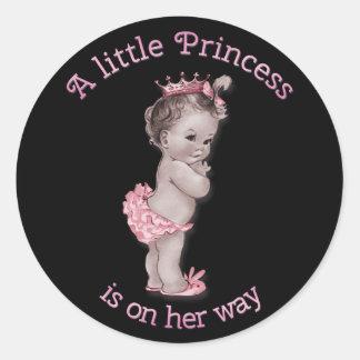 Rosa del negro de la princesa fiesta de bienvenida pegatina redonda