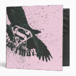 Rosa del superhombre con el pájaro