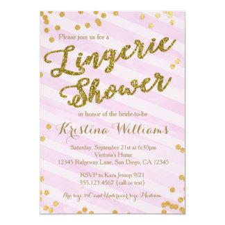 Rosa e invitación nupcial de la ducha de la ropa