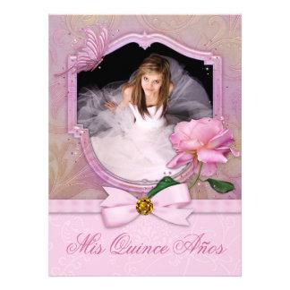 Rosa elegante Quinceanera subió mariposa de la fot Invitacion Personalizada
