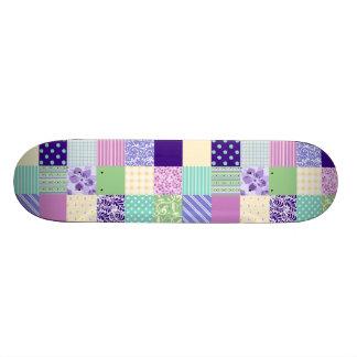 Rosa en colores pastel y cuadrados femeninos skateboards