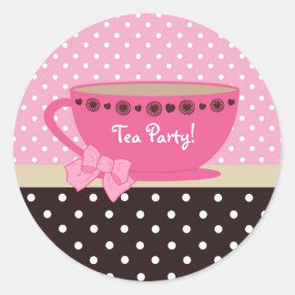 Rosa femenino de la fiesta del té y lunares de pegatinas redondas