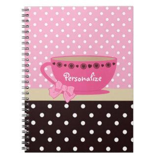 Rosa femenino de la taza de té y lunares de Brown Cuaderno
