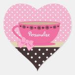 Rosa femenino de la taza de té y lunares de Brown Calcomanía De Corazón Personalizadas