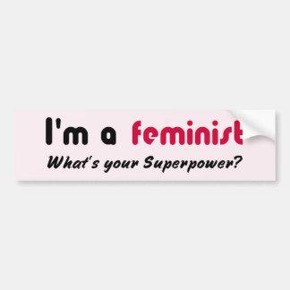 Rosa feminista del lema del superpoder pegatina para auto