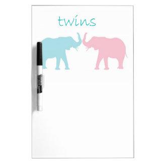 Rosa gemelo y azul del elefante tableros blancos