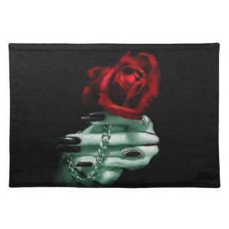 Rosa Gothic Mantel Individual